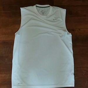 Nike Dri-Fit mens large sleeveless tee